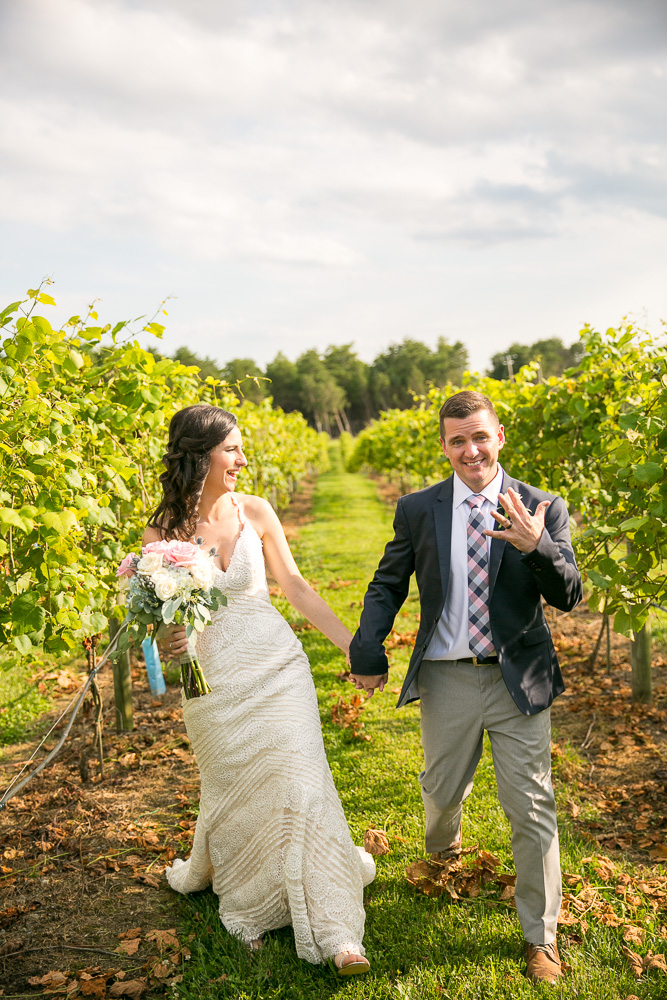Virginia Winery Wedding Venue | Fun Wedding Photographer in Northern Virginia