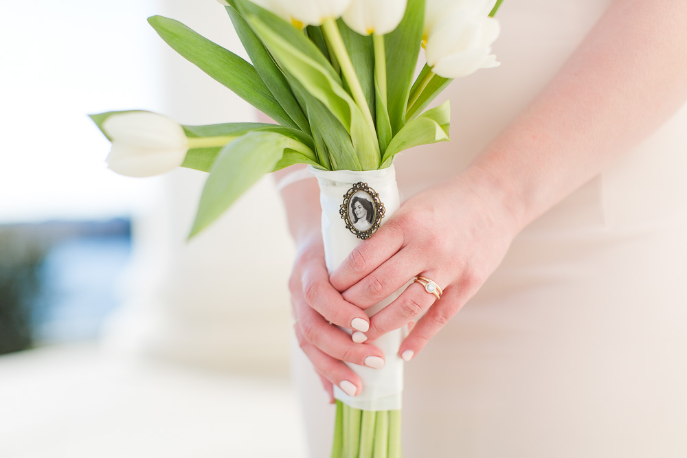 Charm with mother's photo on the bouquet