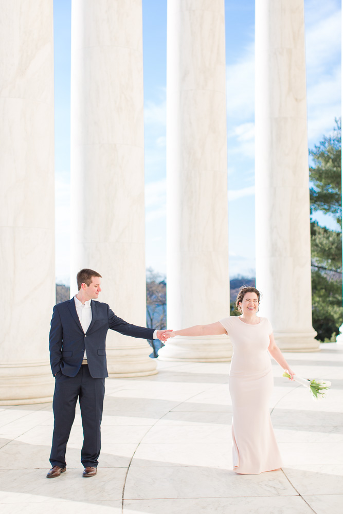 Dancing at the Jefferson Memorial | Best Washington, DC Wedding Venues