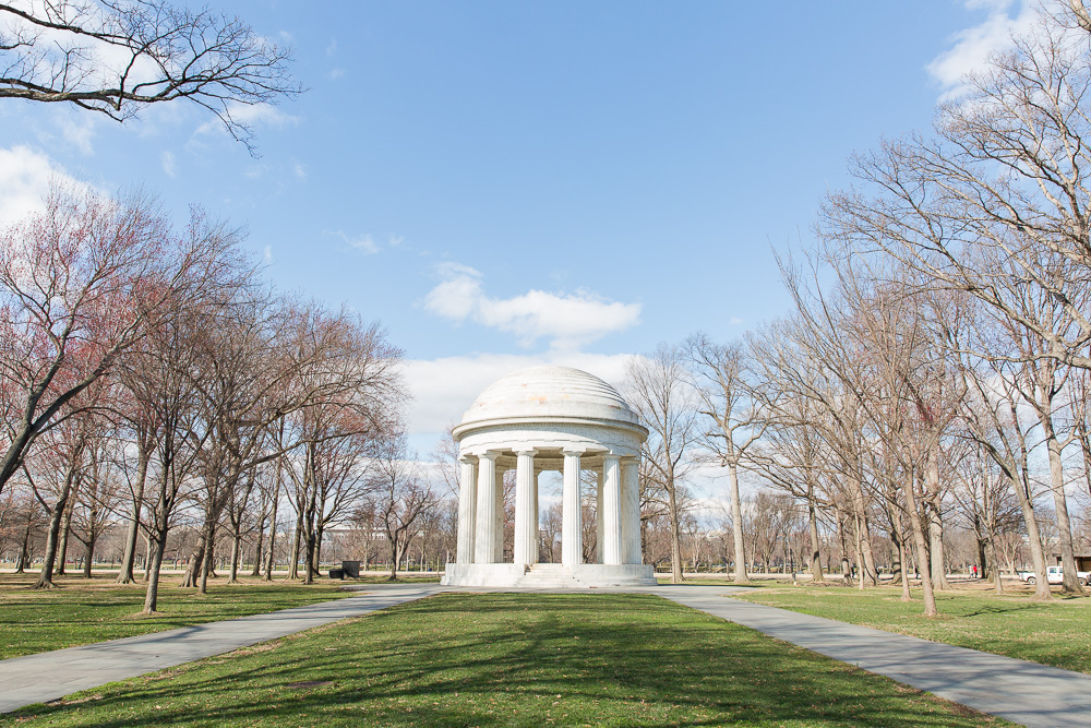 Blush and Navy Wedding at the DC War Memorial and Jefferson Memorial ...