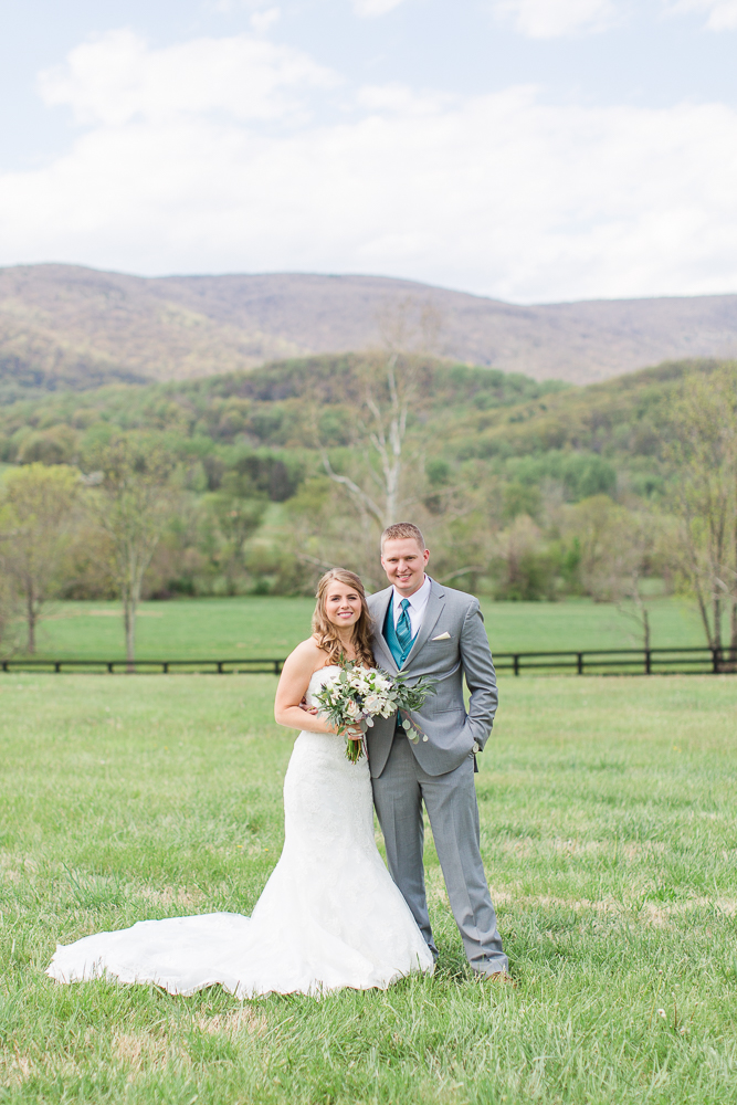 Wedding pictures at King Family Vineyards | Wedding dress from Ava Laurenne Bride | Charlottesville, Virginia Wedding Photography | Megan Rei Photography