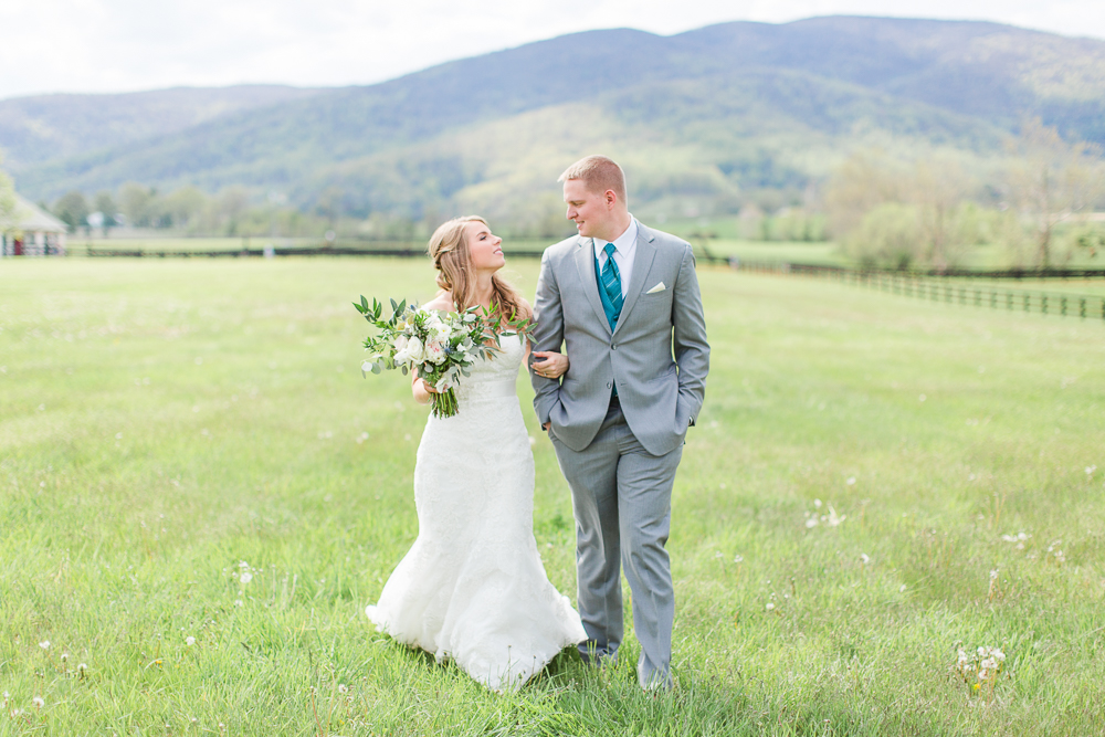 King Family Vineyards wedding pictures with view of the Blue Ridge Mountains | Crozet Wedding Photographer