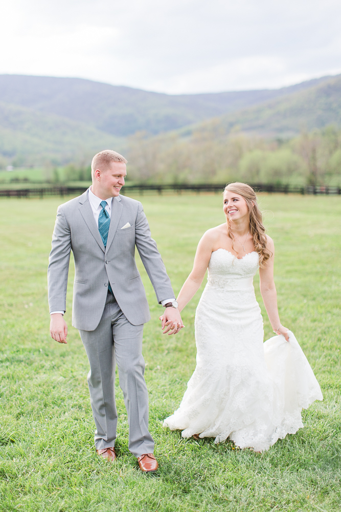 Candid wedding photos at King Family Vineyards | Best Charlottesville Wedding Venues