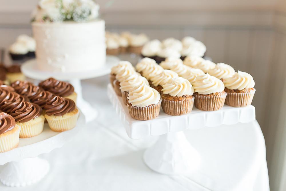 Wedding cupcakes from Cakes by Rachel | Best wedding desserts in Crozet, Virginia