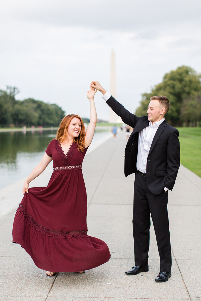 Dancing engagement picture at the DC monuments | Best DC engagement photo locations