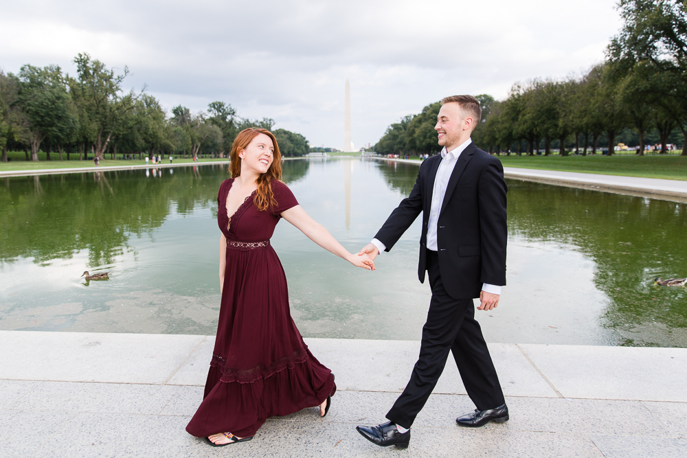 Engagement pictures walking by the Reflecting Pool | Best engagement photos in Washington, DC