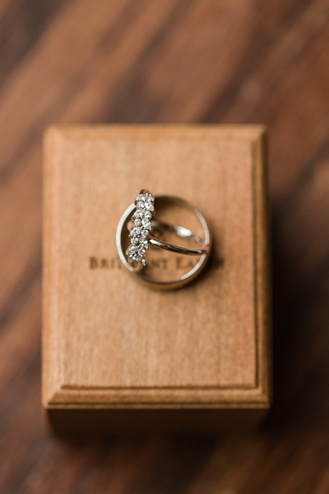 Conflict-free diamond wedding rings from Brilliant Earth