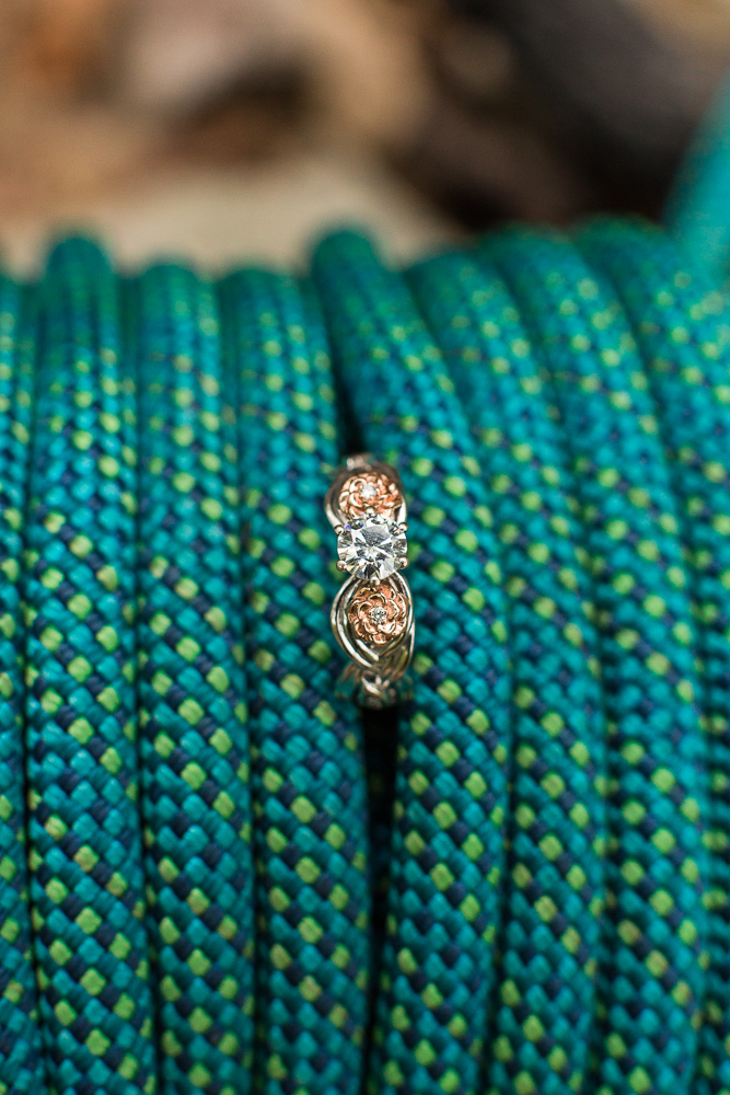 Engagement ring with rock climbing rope | Engagement and wedding photo ideas for rock climbers