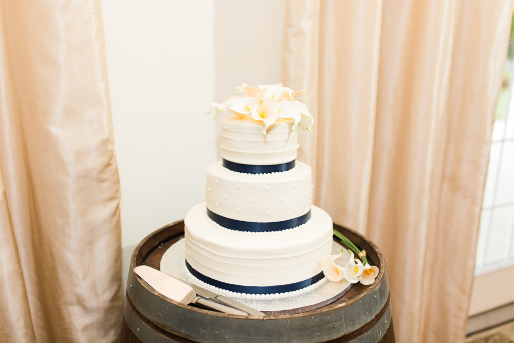 Wedding cake with white cala lilies from Connie's Cake Creations in Loudoun County, Virginia