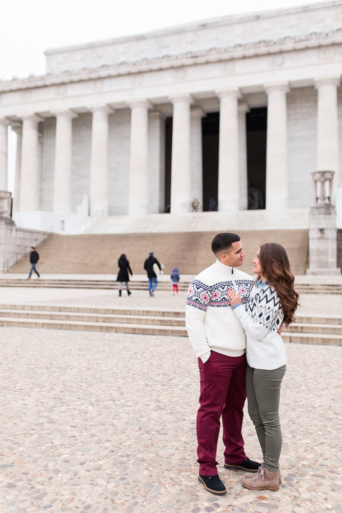 Lincoln Memorial DC engagement photographer