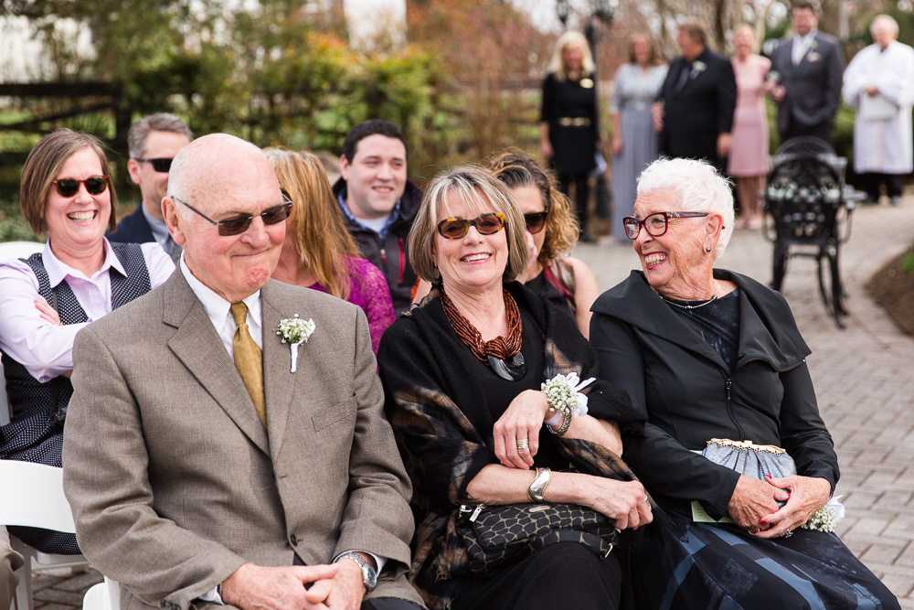 black-horse-inn-wedding-pictures-warrenton-va-71.jpg
