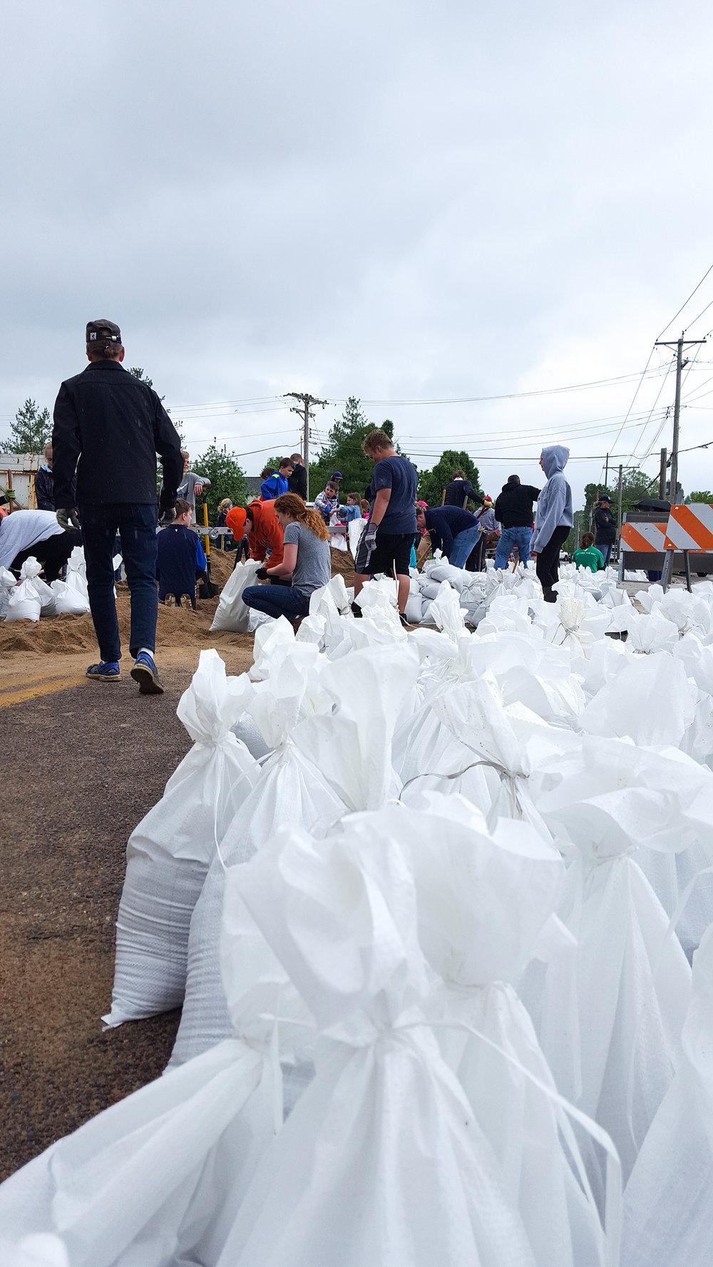 Valley Park, MO Sandbagging Efforts in May