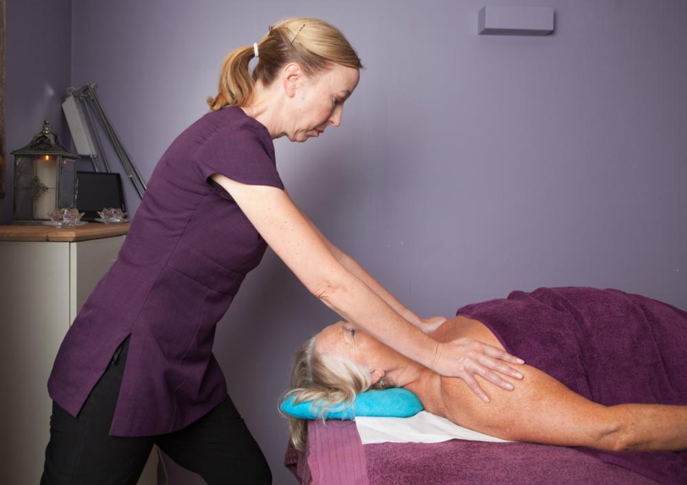 sarah-hurst-massage.png