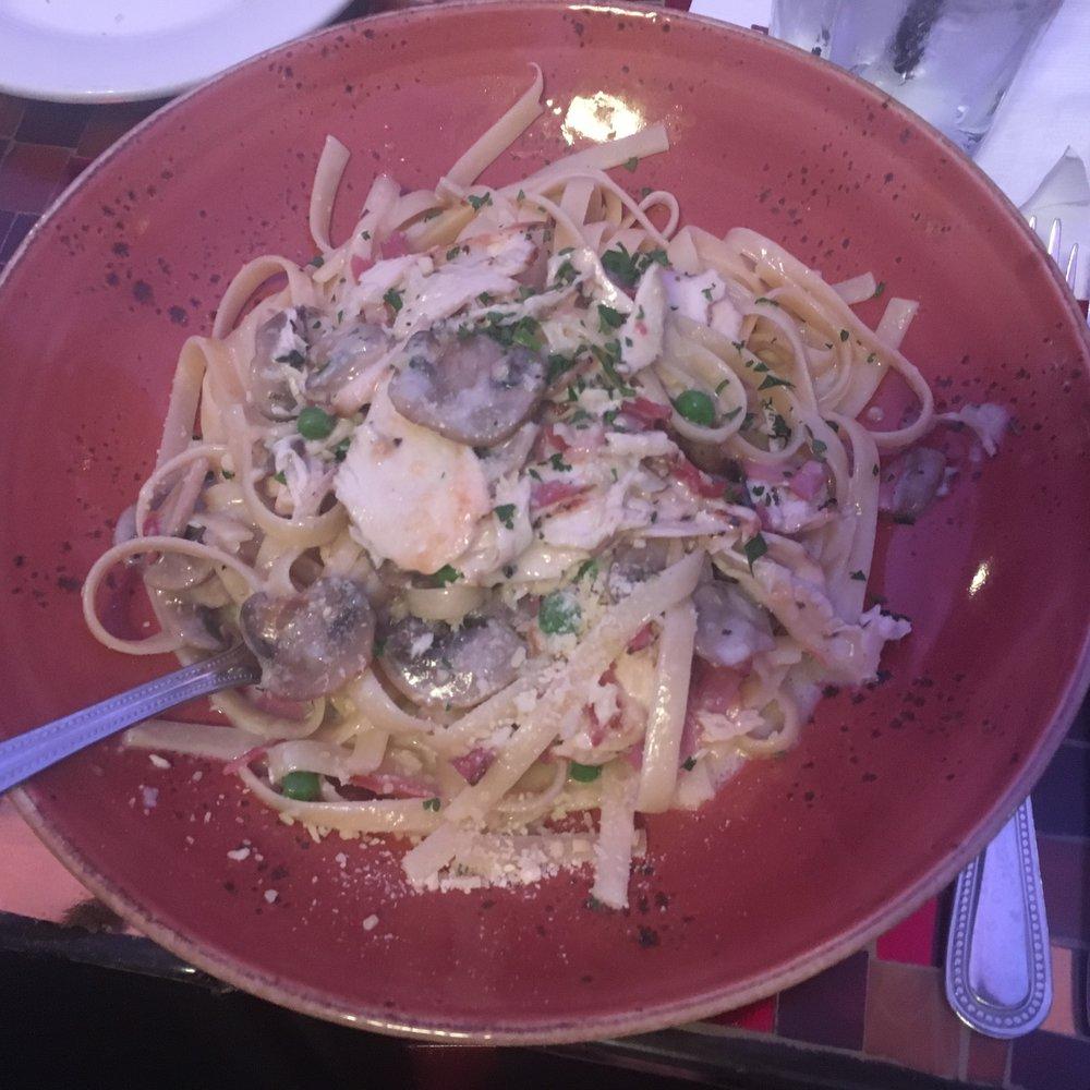 Fettuccine Pollo Carbonara