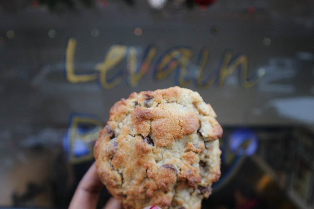 Chocolate Chip Cookie with Walnuts - Levain