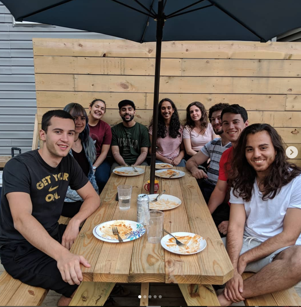 Find friends - Subletinn builds communities out of neighborhoods, connecting you to other young professionals on our platform