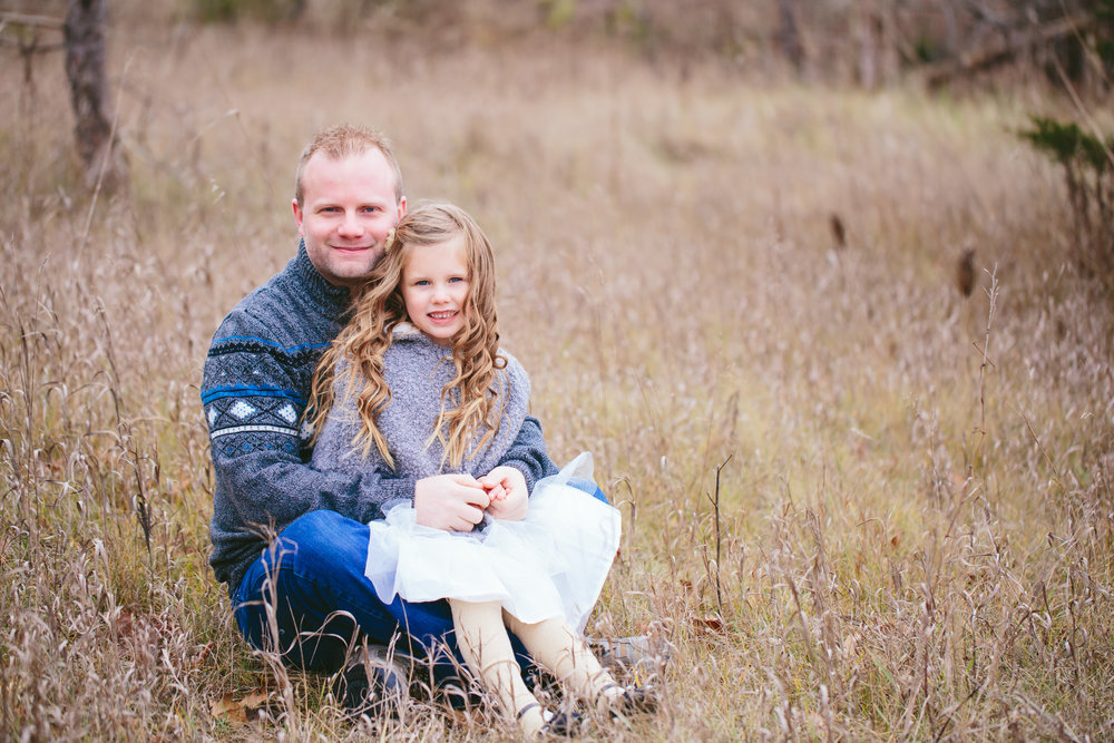 FamilyPhotographer_ChristmasMinis (16 of 44).jpg