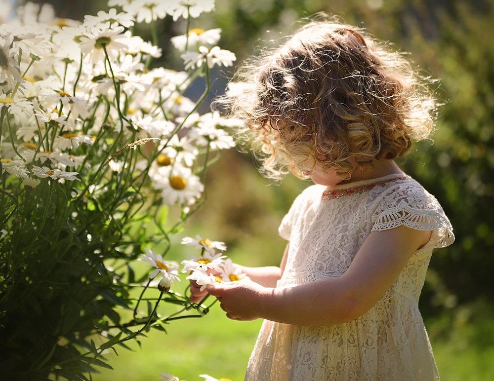 Summer Children's Family Portraits Basingstoke Hampshire Berkshire