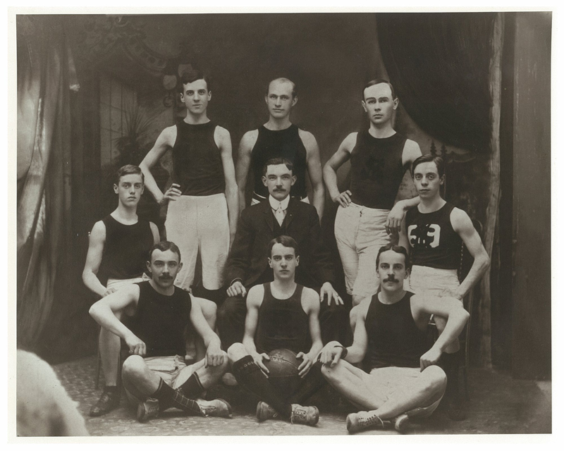 The Saint Mary's basketball team in 1906