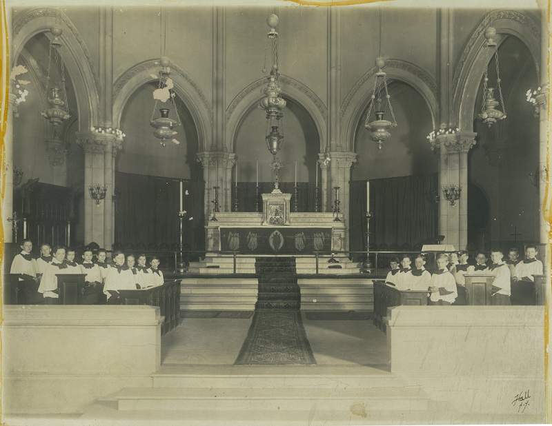 Saint Mary's choir in 1911