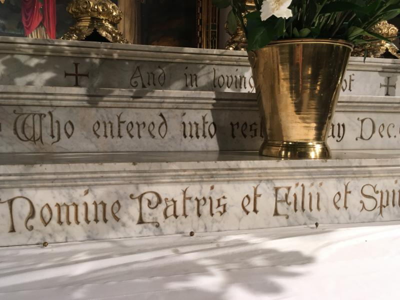 Memorial inscription on the high altar