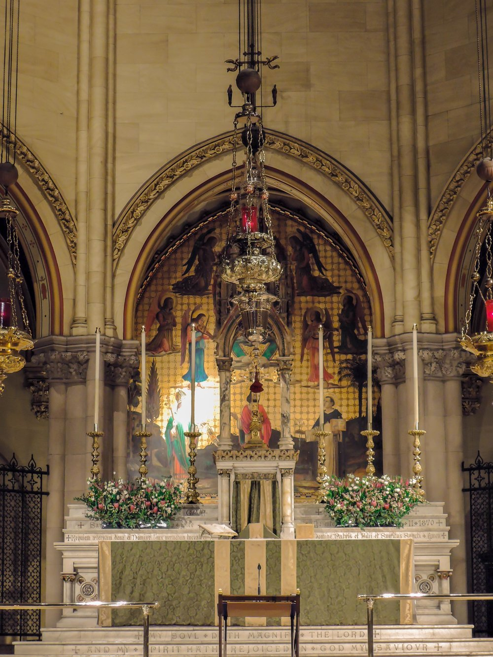 The High Altar before the 9:00 AM Mass on Sunday, January 15, 2017