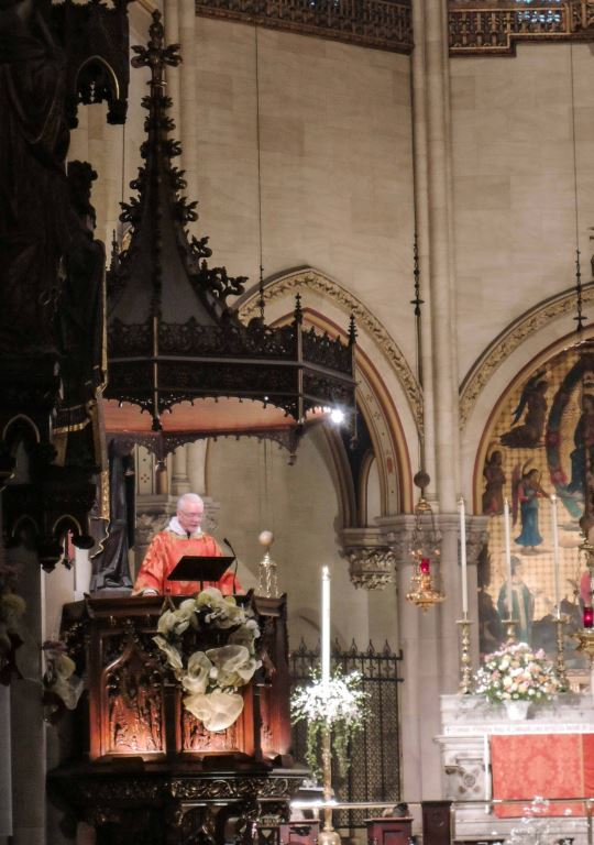 Father Jim Pace was celebrant and preacher for Solemn Mass on the Third Sunday of Easter.