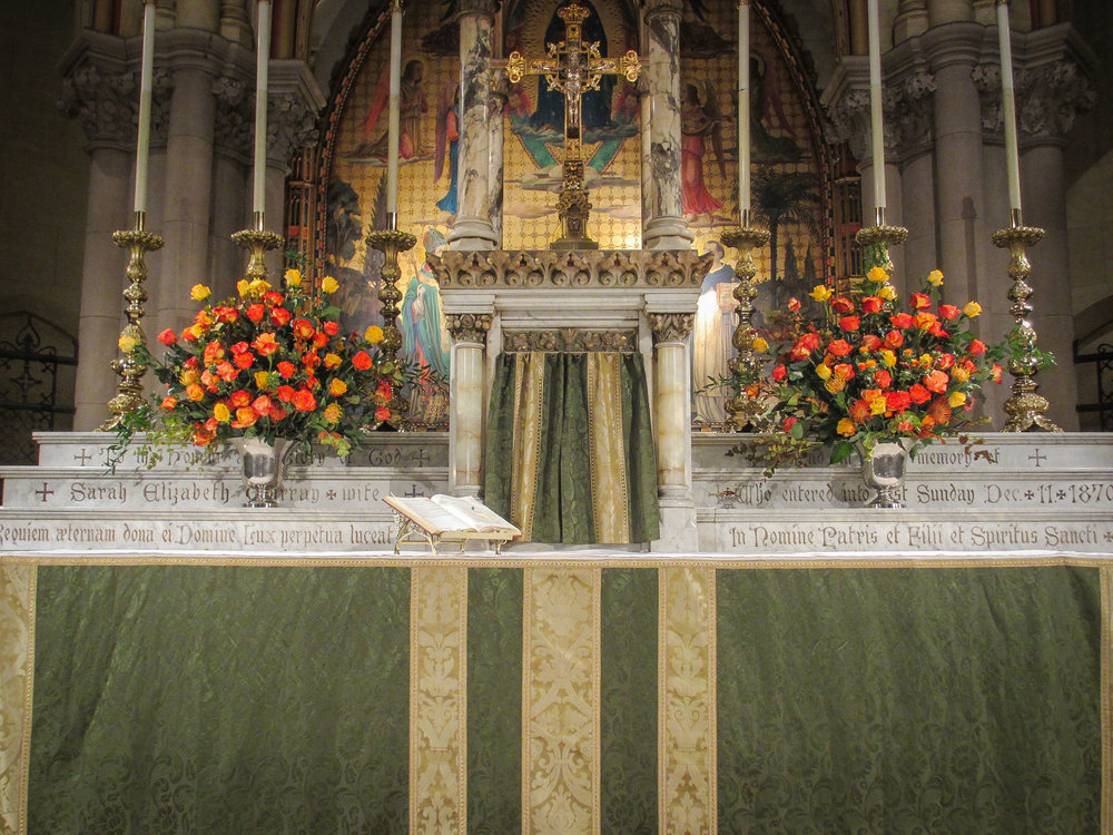 The High Altar, Sunday, November 12, 2017   Photo by MaryJane Boland