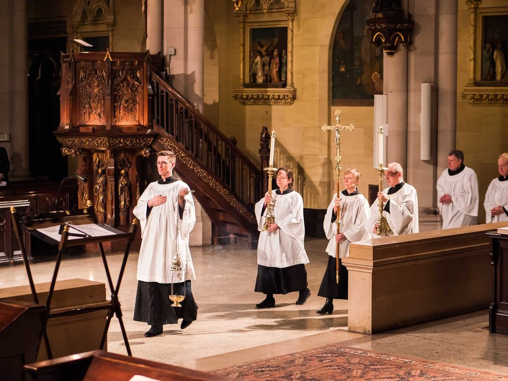 The Entrance Procession at Solemn Mass    Photo by Ricardo Gomez