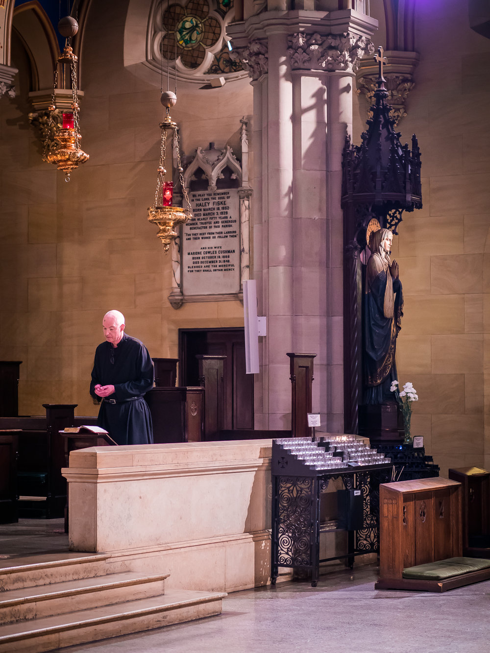 On Sundays in the summer, Evening Prayer is read, not sung. Sunday Solemn Evensong & Benediction returns on October 7, 2018.  Photo by Ricardo Gomez