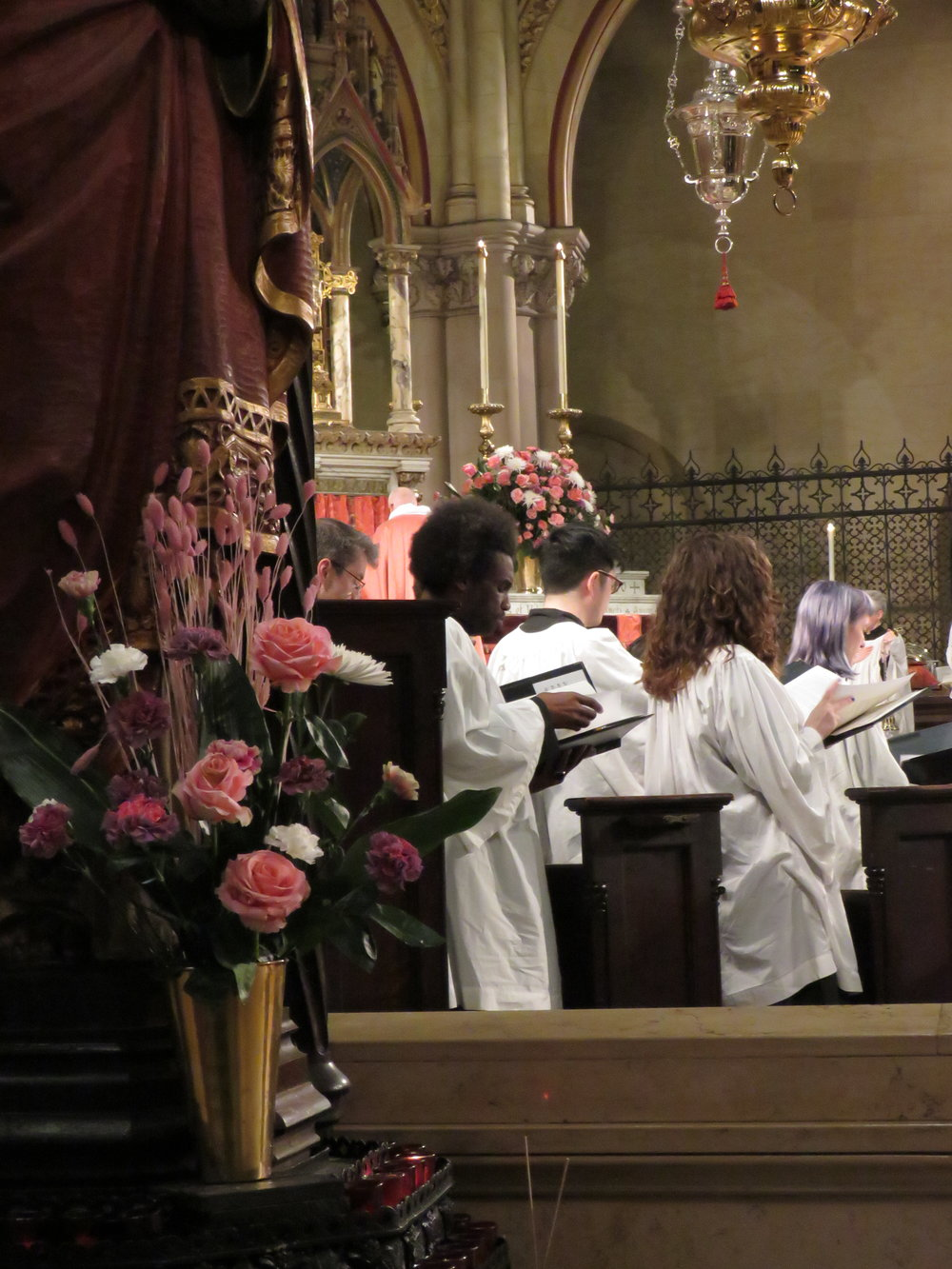 On the Sundays in Lent, the choir sings from the chancel. The choir is finishing the traditional Latin entrance song for this Sunday,  Laetare Ierusalem (Rejoice , O Jerusalem).    Photo by Damien Joseph SSF