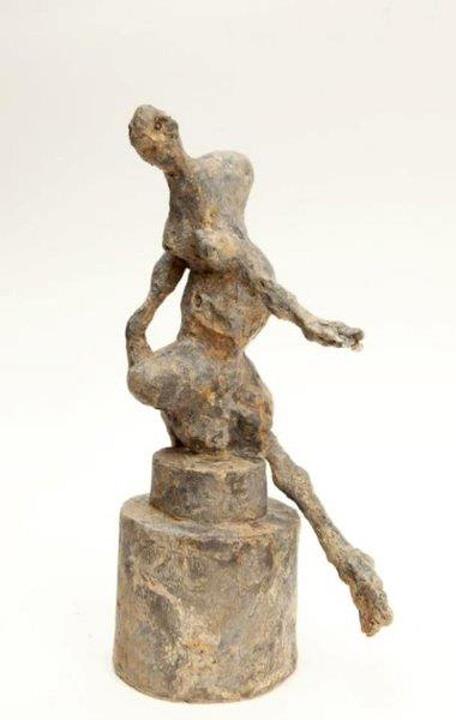 Knielend figuur - 2011 - brons