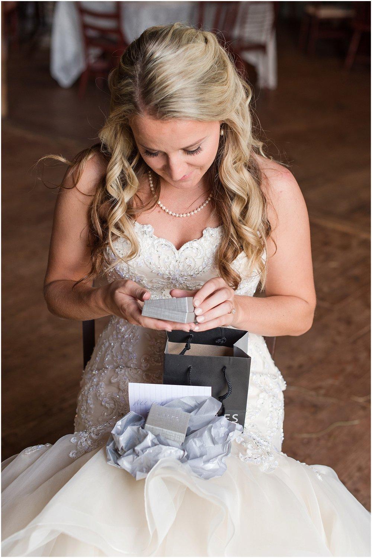 Hannah Leigh Photography Blue Hound Farm Wedding_1639.jpg