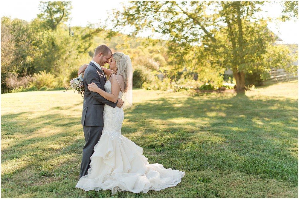 Hannah Leigh Photography Blue Hound Farm Wedding_1686.jpg