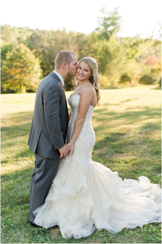 Hannah Leigh Photography Blue Hound Farm Wedding_1694.jpg