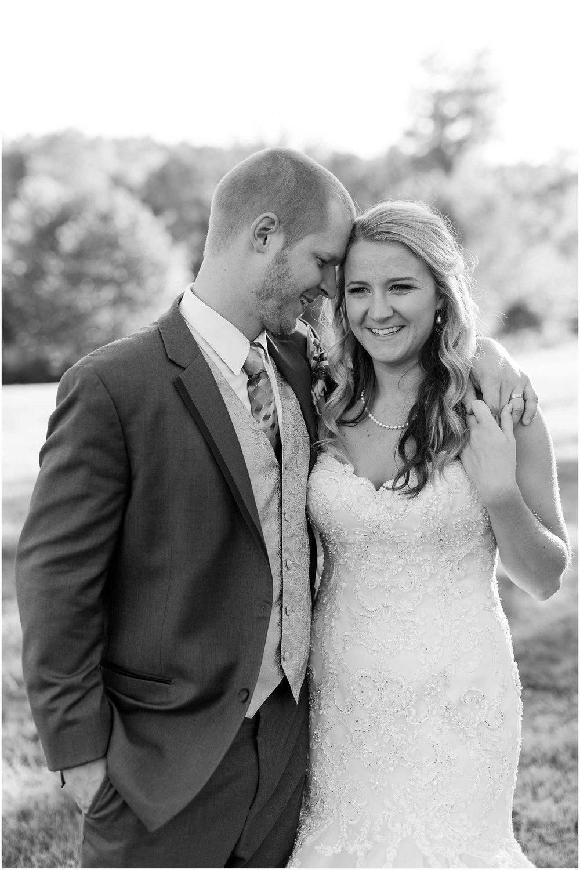 Hannah Leigh Photography Blue Hound Farm Wedding_1700.jpg