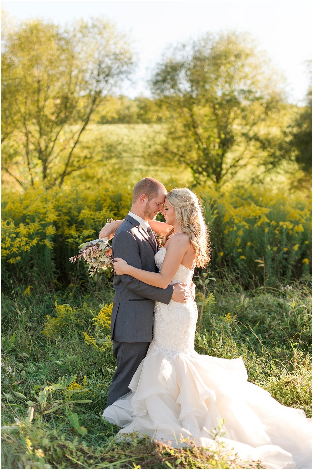 Hannah Leigh Photography Blue Hound Farm Wedding_1704.jpg