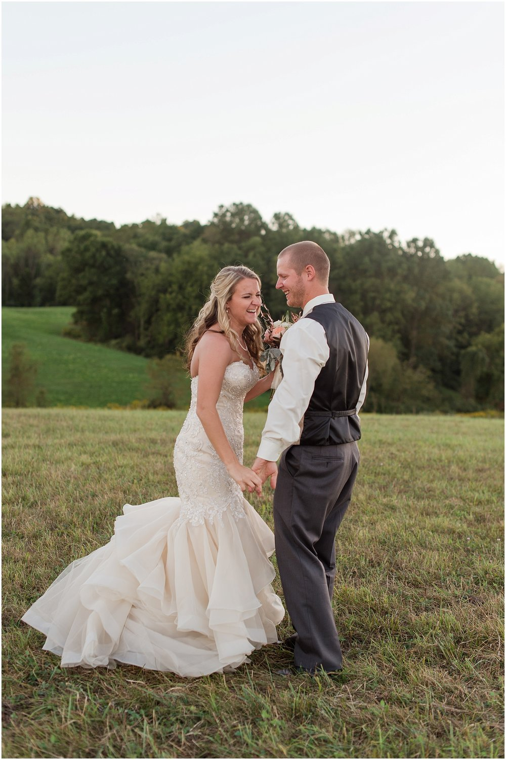 Hannah Leigh Photography Blue Hound Farm Wedding_1748.jpg