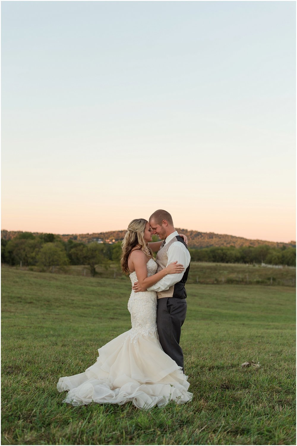 Hannah Leigh Photography Blue Hound Farm Wedding_1758.jpg