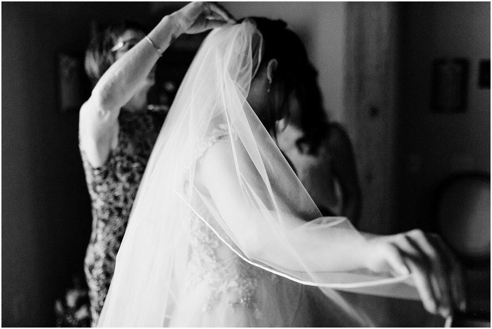 Hannah Leigh Photography Spring Wyndridge Farm Wedding_4063.jpg