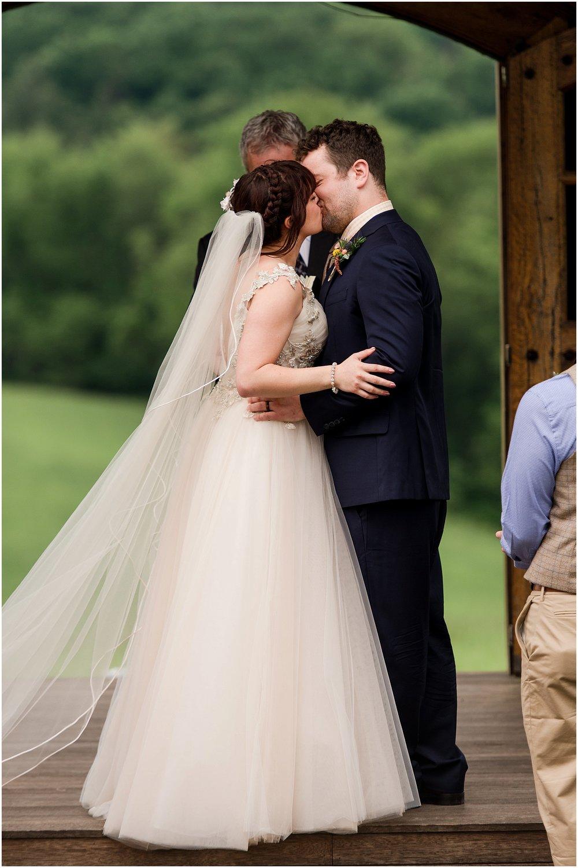 Hannah Leigh Photography Spring Wyndridge Farm Wedding_4079.jpg