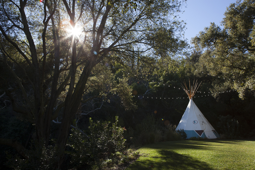 Sun dappled native oak shaded backyard with custom teepee - Topanga Canyon - Los Angeles garden design by Campion Walker Landscapes