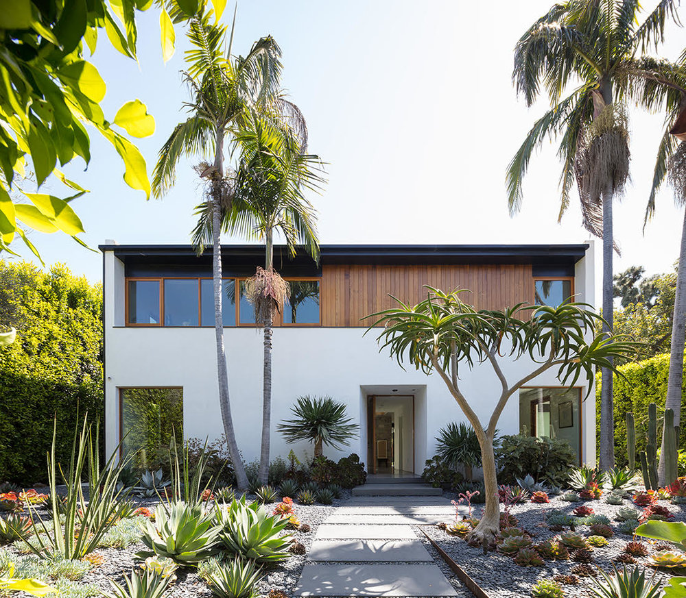 Hedge House, Los Angeles    2017 Residential Design Award  by the Los Angeles Chapter of the American Institute of Architects.