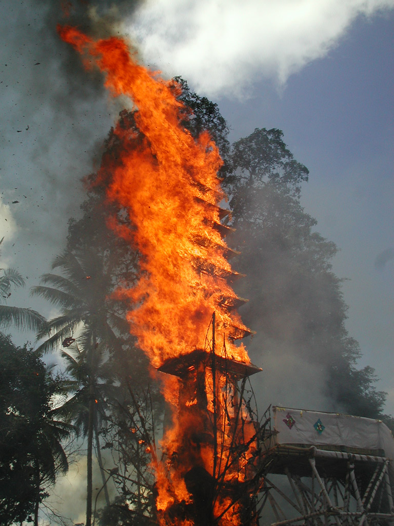 Funeral pyre, Indonesia, 2005. Released into public domain at  Wikimedia Commons .