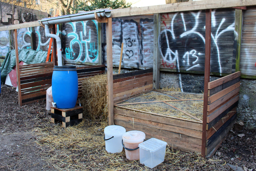 The humanure compost unit