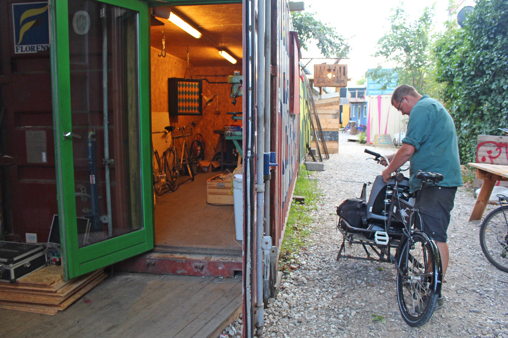 Bike and metal workshop