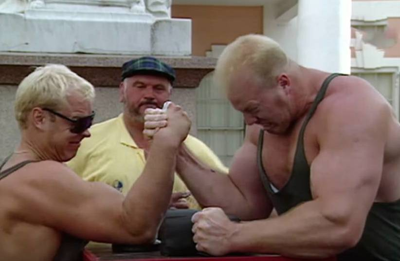 Arm-wrestle-1.jpg