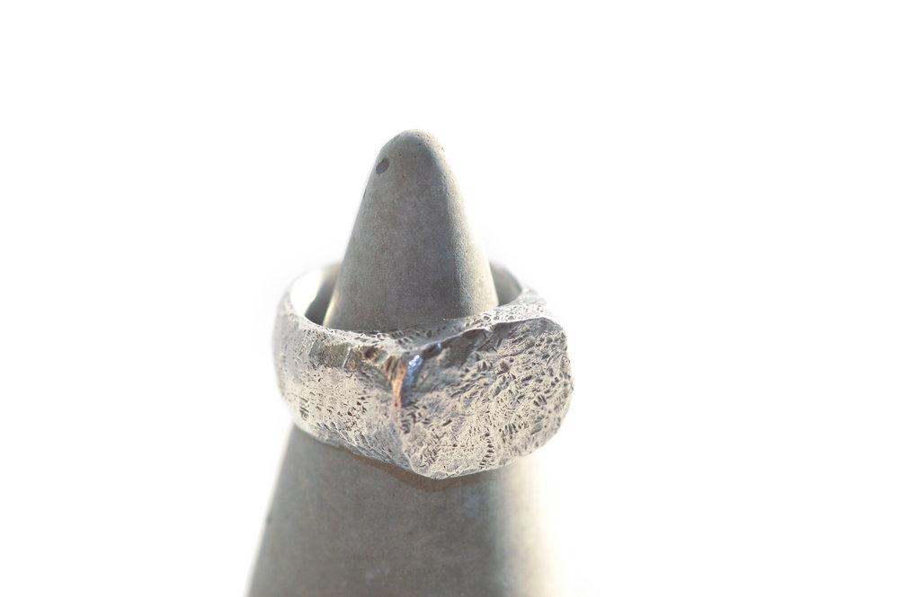 Rough signet ring