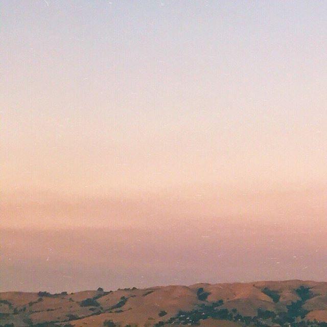 Sunset over San Jose . . . . . . . . #nature #vsco #vscocam #mextures #mexturesapp #shooteveryday #sunset #grid #iphoneonly #adobe #photoshopexpress #california #sanjose #travel