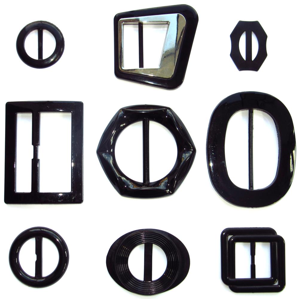 a8c462eb30c Boucles de ceinture en plastique noir
